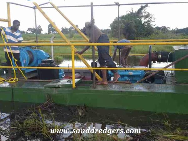 small sand dredger for Uganda Customer